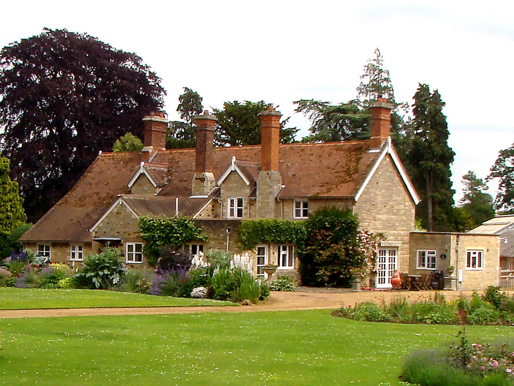 Photo of a Country home that will be used for reference
